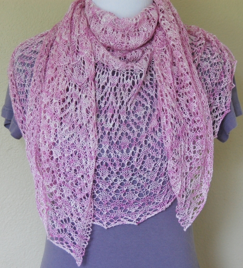Addiena shawl pattern by Allison LoCicero | Freckles & Purls